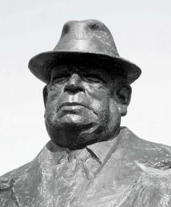 jim-green-portrait-statue-g